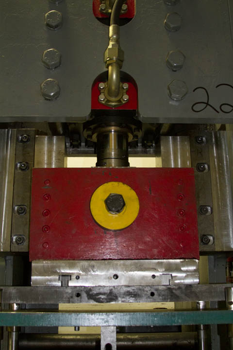 Mechanical vs Hydraulic Punch Presses | Metal Products Company